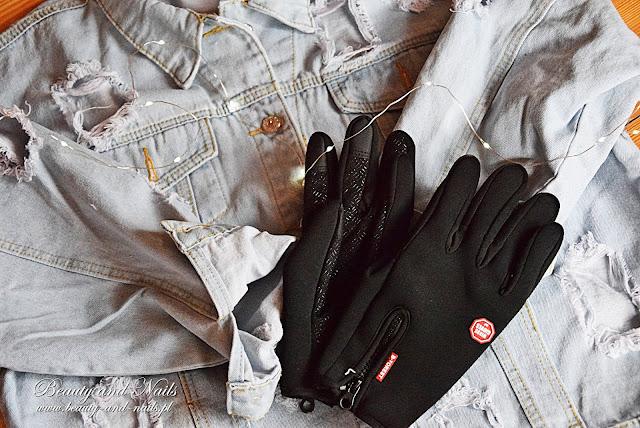 Rękawiczki i katana ze sklepu DressLily.
