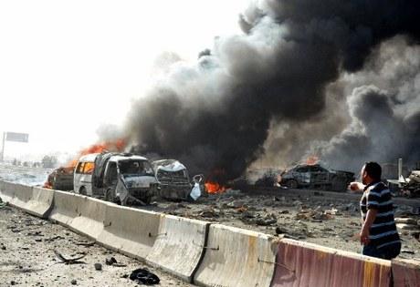 schwere explosionen am flughafen von damaskus