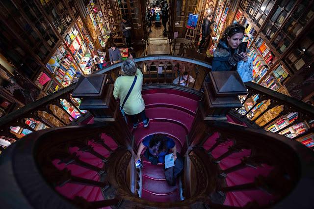 Libreria Lello, oporto,magia en el interior