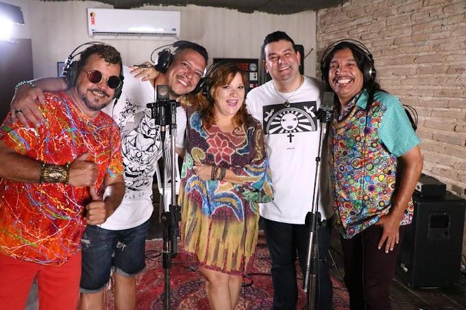 Ed Carlos participa da gravação de clip do Galo da Madrugada