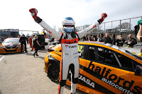 Gordon Shedden celebrates victory at Brands Hatch