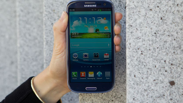 Samsung Galaxy S3, HTC One X Are Among The 5 Best Smartphones of 2012