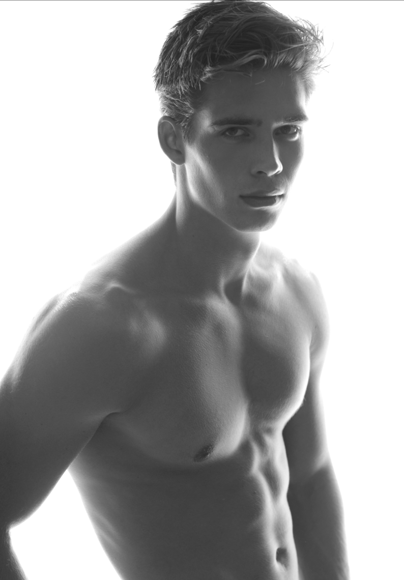 Beauty and Body of Male : Leif Erik at DT Model Management