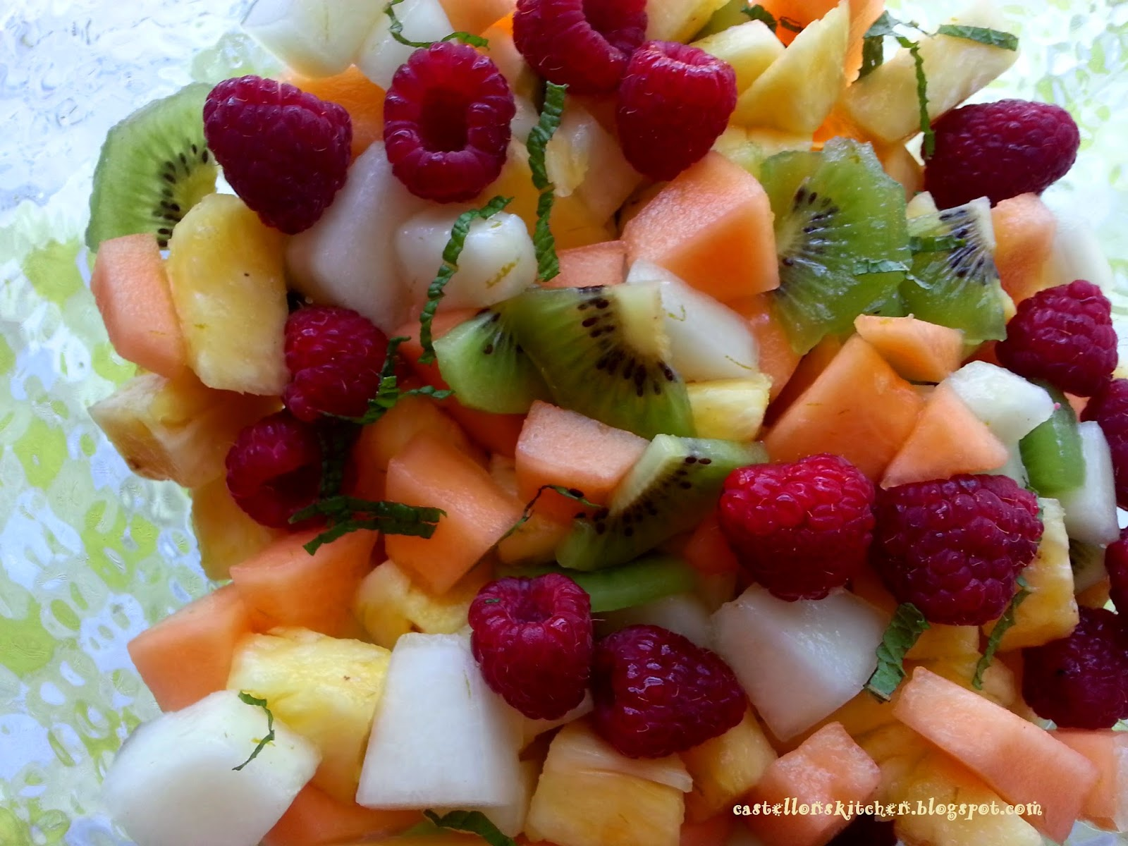 Castellon's Kitchen: Summer Fruit Salad with Ginger and Lime