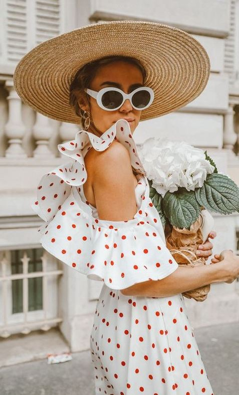 incredible summer outfit idea / hat and polka dotts dress
