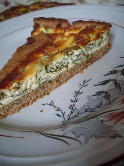 Tart od ražanog brašna sa sirom i zeljem