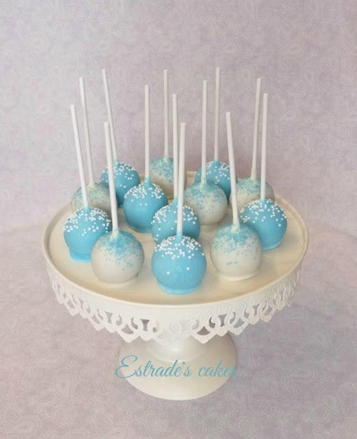 cake pops en azul y blanco 3