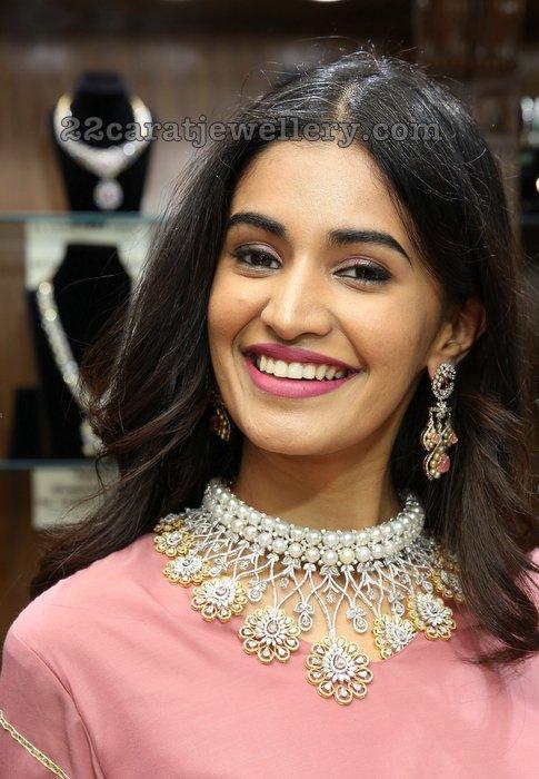 Susruthi Krishna Pearls Choker