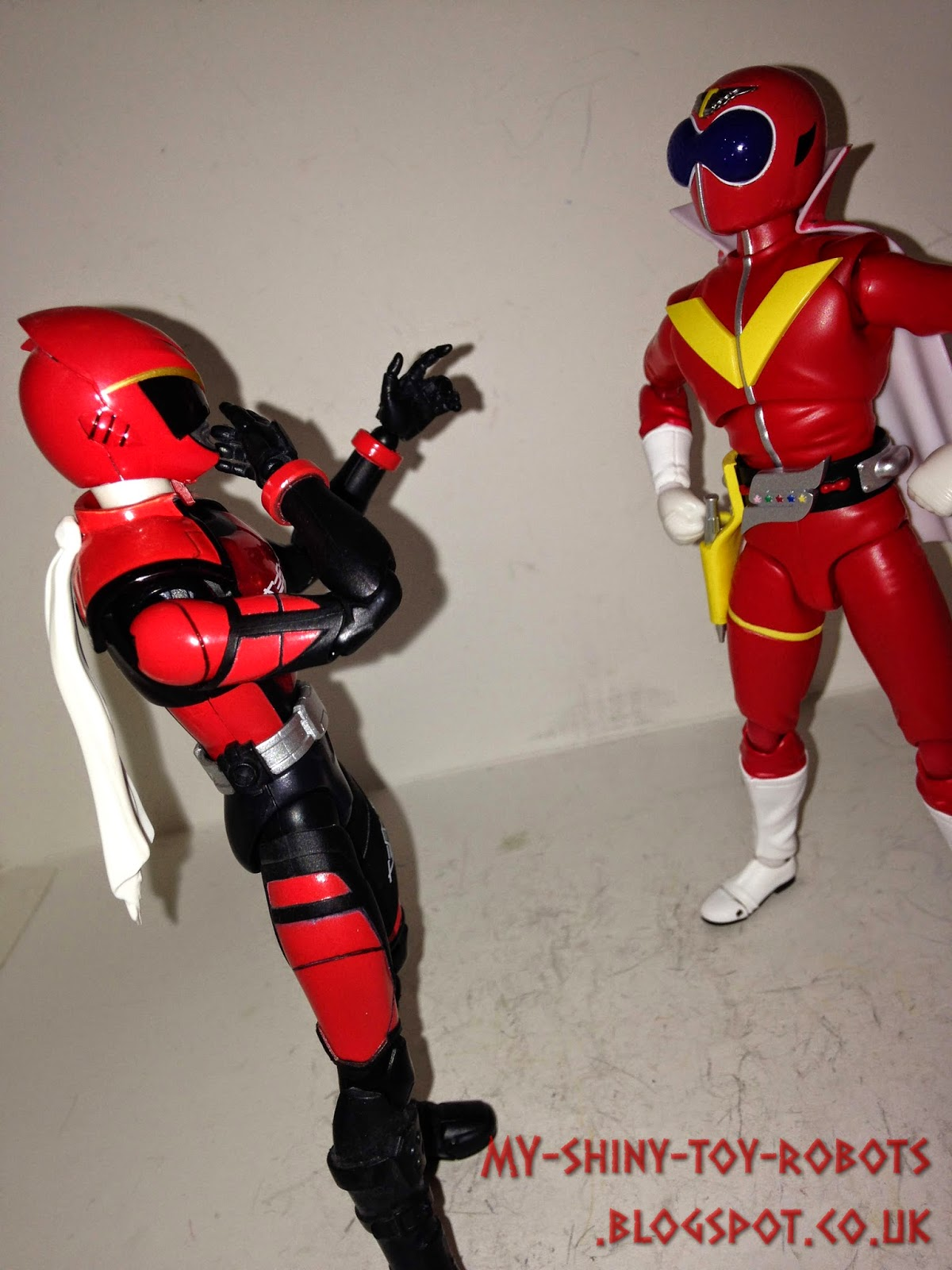 Akiba Red meets the icon