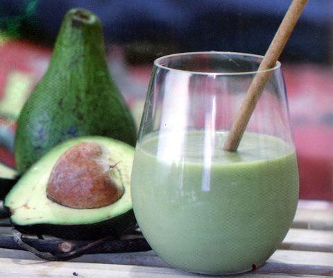 Jus buah untuk menurunkan kolesterol - alpukat daun salam