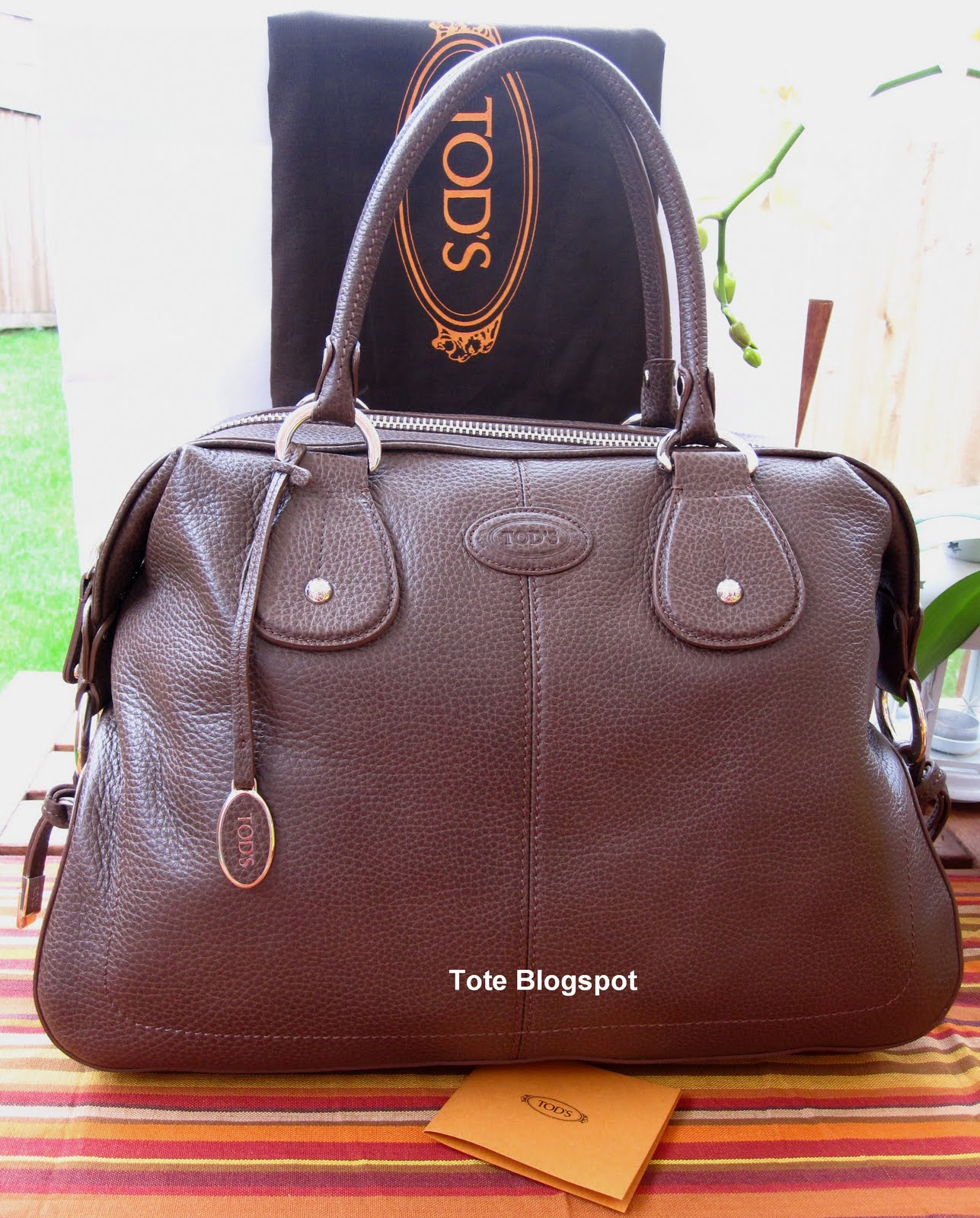 379b549ff66 Tote to Toe: TOD'S NEW RESTYLING D BAG BAULETTO MEDIA