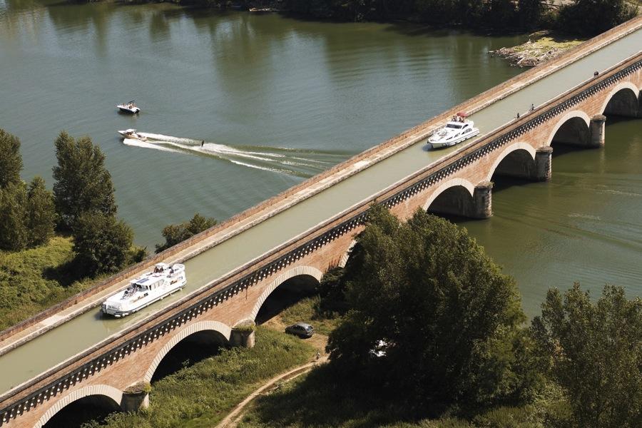 Le Ruisseau 82 Photos