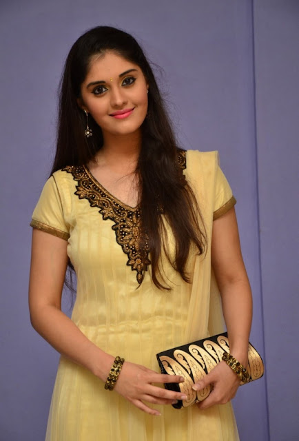 Beautiful Surabhi Images HD Pictures