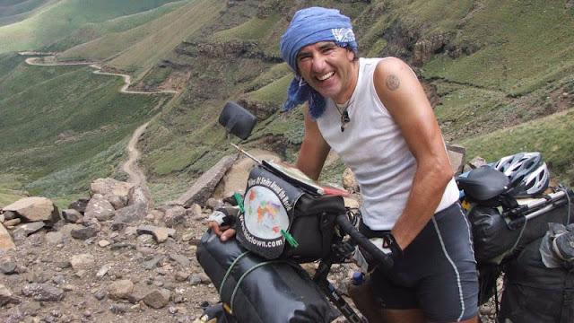 Álvaro Neil, el biciclown