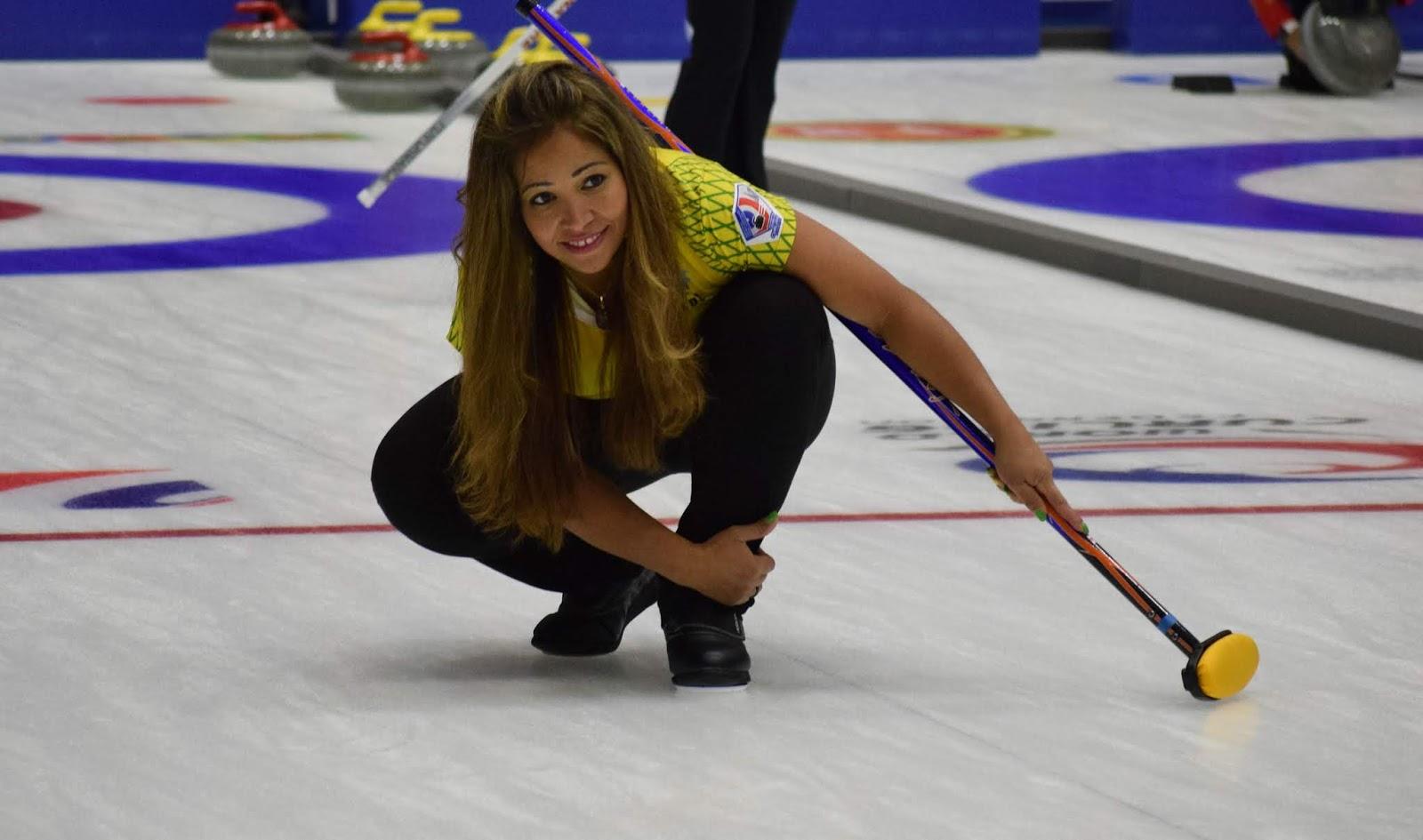 Seleção feminina vence mais uma e segue com chances no Curling