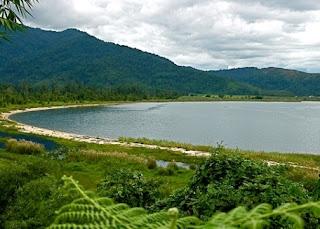 Danau Poso di Sulawesi