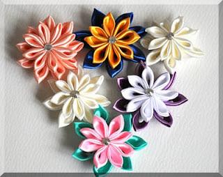งานพิเศษ ประกอบดอกไม้ หารายได้เสริม งานฝีมือสร้างรายได้ รอบละ 240 บาท แนะนำงานรายได้พิเศษ