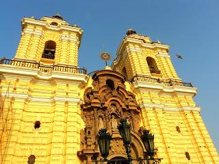 Fachada Barroca da Iglesia de San Francisco, em Lima