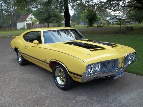 American Muscle Car 1970 Olds Cutlass S  Auto Restorationice