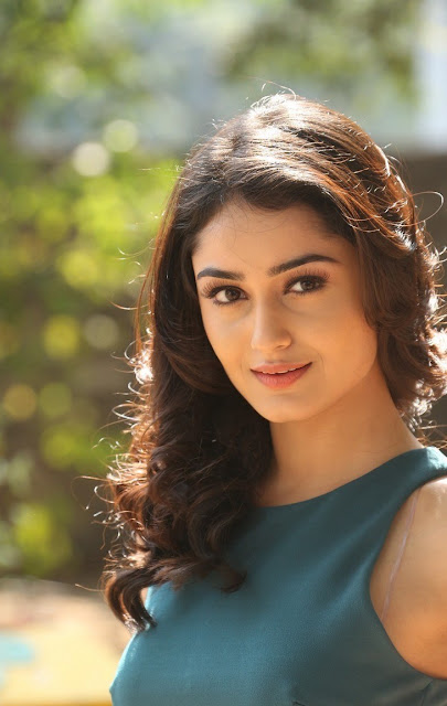 Tridha Choudhary top images for desktop