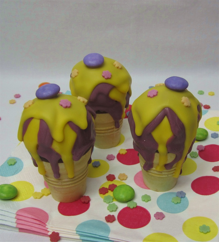 Zitronen-Cakepops in der Eiswaffel 2