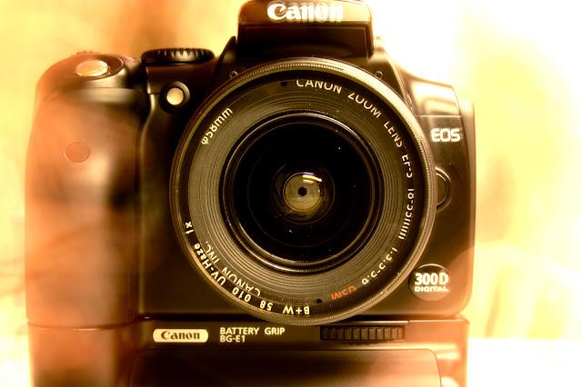 canon eos 300D reflex camera
