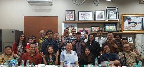Jokowi Kumpulkan Aktivis Sosmed Pro, Pakar Komunikasi: Memang Kelasnya Bukan Presiden!