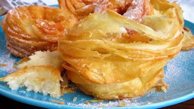 Lisnate prsten krafne ( uštipci ) / Puff pastry donuts