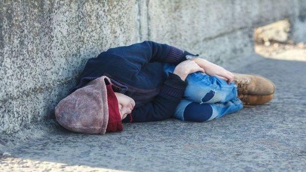 Aumenta índice de pobreza infantil extrema en Reino Unido