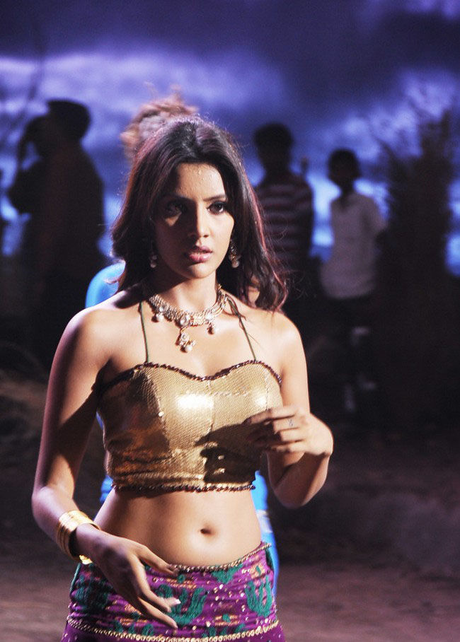 Actress Priyan Anand