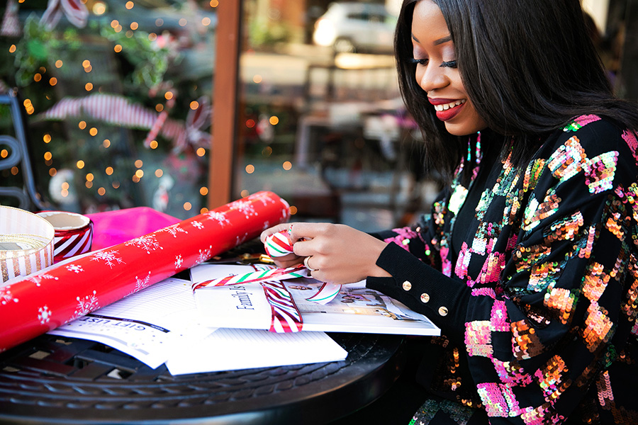 Stella-adewunmi-of-jadore-fashion-shares-holiday-gift-wrapping