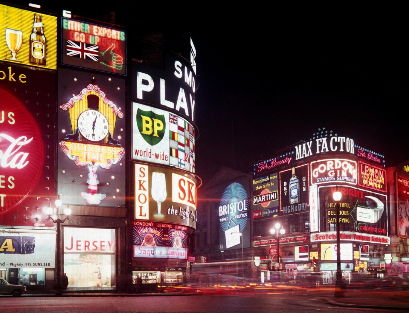 Fall Time Wallpaper 16 Fantastic Vintage Photographs Of Piccadilly Circus At