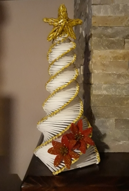 Albero Di Natale Con Cannucce Di Carta.Il Mondo Di Alice Albero Di Natale