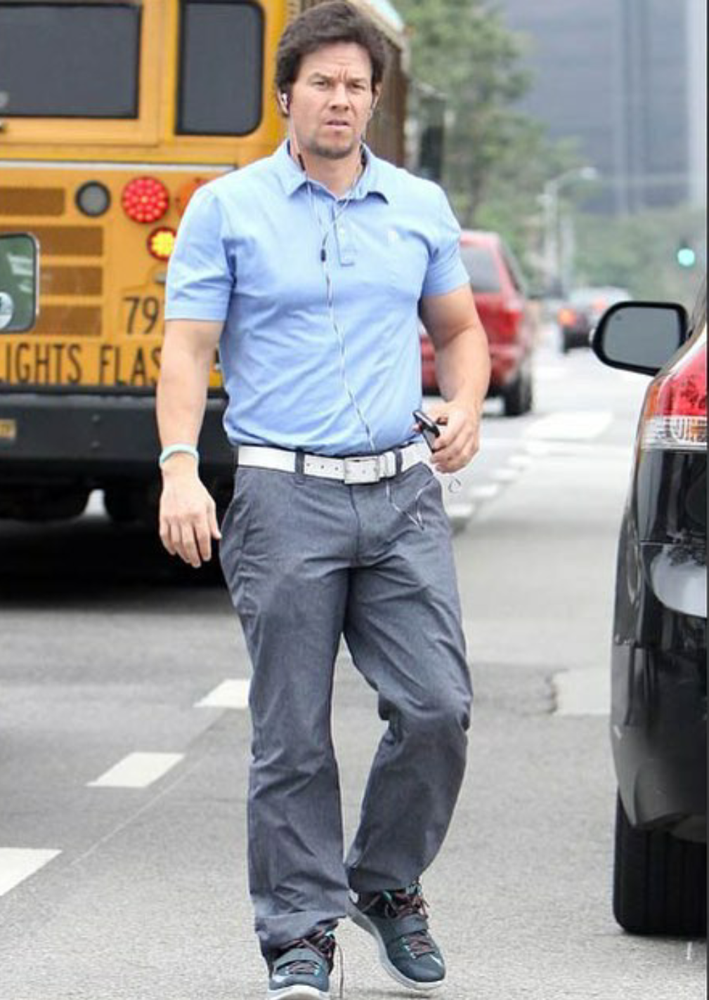 erection in public checkout the bulge in mark wahlberg