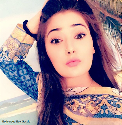 Sara Khan  IMAGES, GIF, ANIMATED GIF, WALLPAPER, STICKER FOR WHATSAPP & FACEBOOK