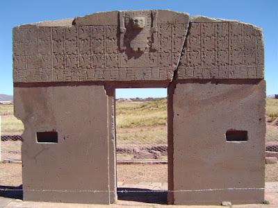 Puerta de Tiahuanaco