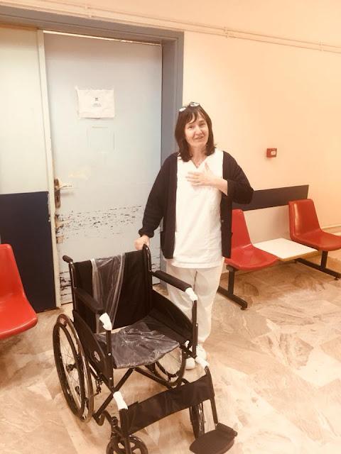 Στα εξωτερικά ιατρεία του Νοσοκομείου Ναυπλίου ένα αμαξίδιο από τη συλλογή πλαστικών πωμάτων
