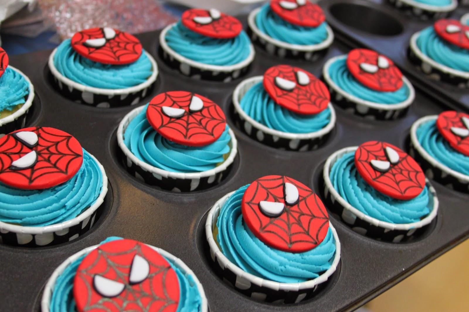 Happiness Sweets Amp Treats Spiderman Amp Ironman Cake Amp Cupcakes