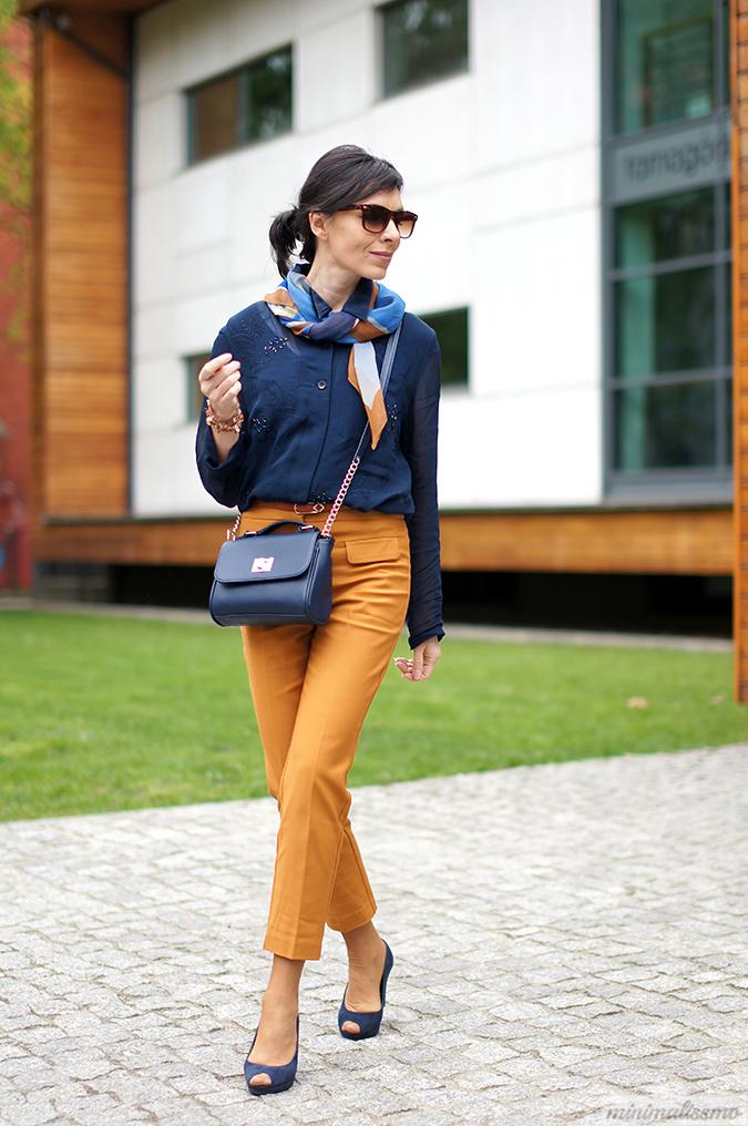 pomarańczowe spodnie stylizacje