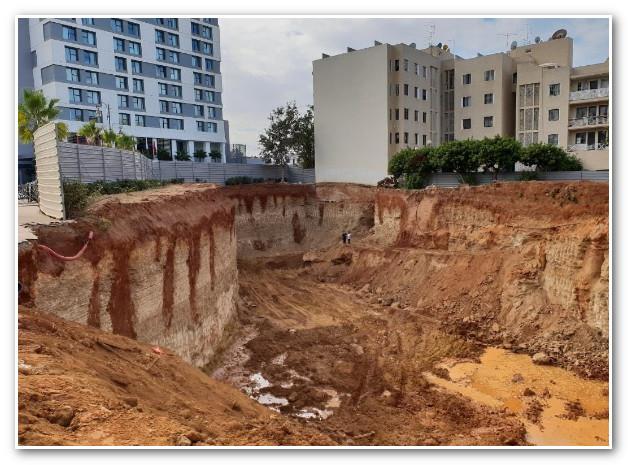 صور/ أعمال حفر تتسبب في انجراف التربة وسط الرباط وتهدد منازل و طرق بالإنهيار !