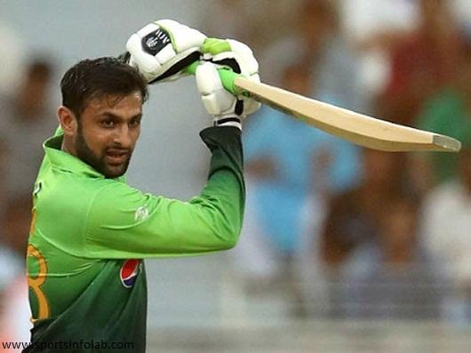 Shoaib Malik joins the national team