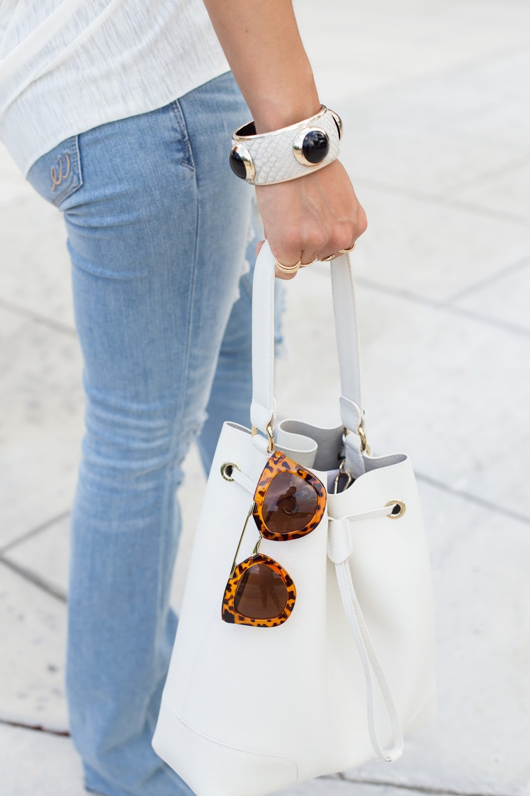 White Bucket Bag and Tortoise Sunglasses Fashion Style