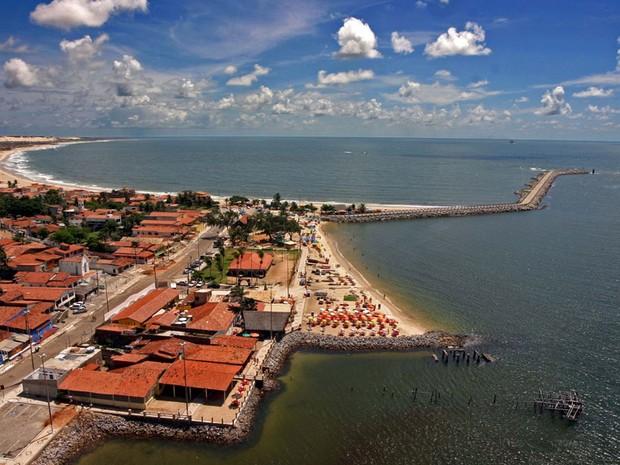 Jovem é morto com sete tiros em barraca de praia na Redinha
