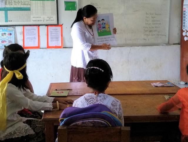 Pendidik Sumba Tengah Nusa Tenggara Timur Dikenalkan Penggunaan Big Book