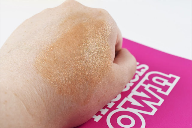 Models Own Sculpt & Glow Liquid Highlighter in Rose Gold Swatch