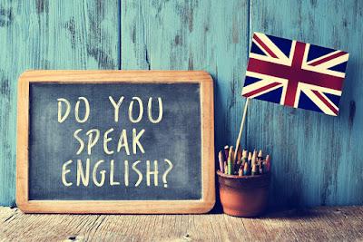 Cartel con anuncio en Inglés, idioma muy hablado en Islandia