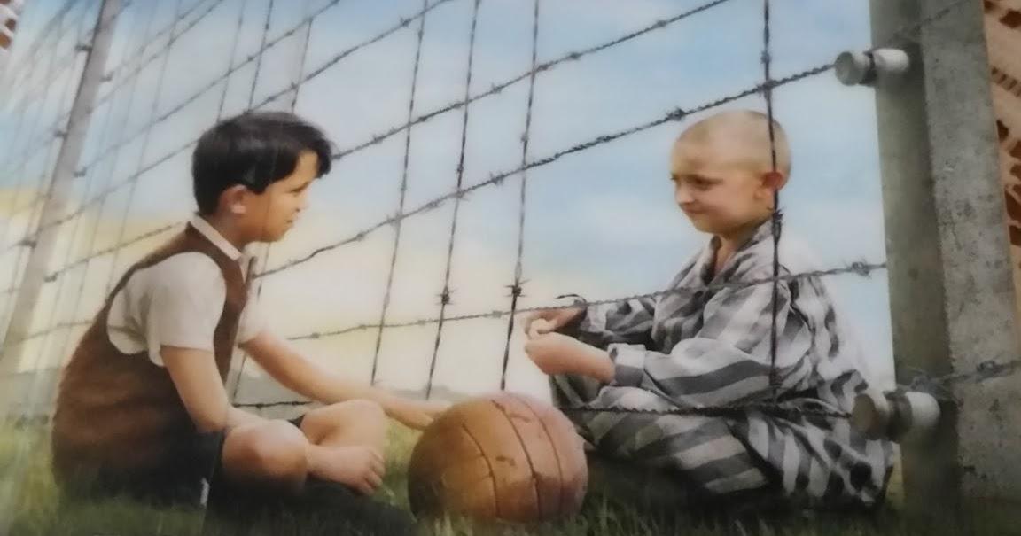 Poika Raidallisessa Pyjamassa Elokuva