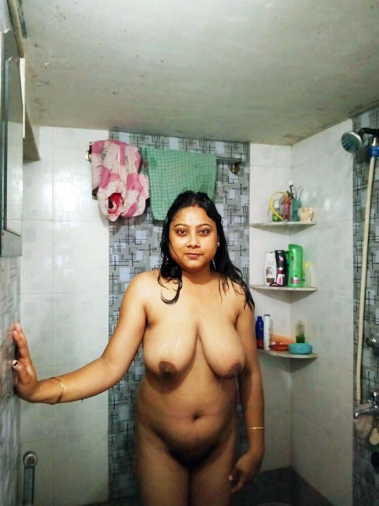 Indian Bangla Couples Nude On Floor Enjoing Fucking Mms Porn Galery Photo