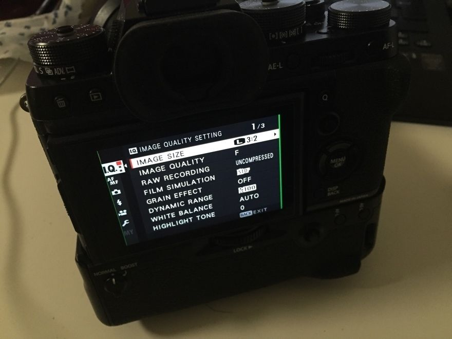 Камера Fujifilm X-T2 вид сзади