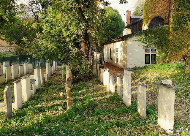 Sevärt i Kraków- Remuh kyrkogården